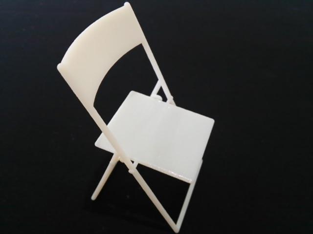 リアルモデル 折りたたみ椅子のプロモーション