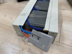 中山木型ブログ 3Dプリンターが接続しているUPS(無停電装置)から音!バッテリー交換する話 画像C